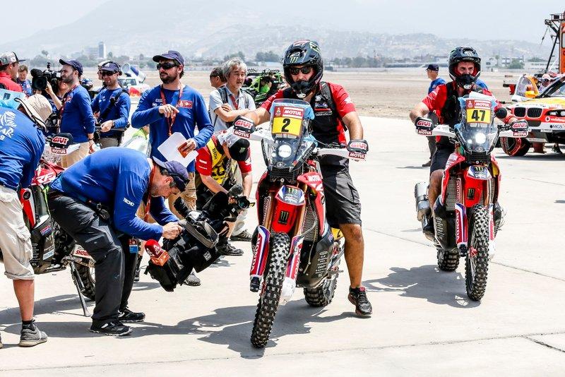 #2 Monster Energy Honda Team Honda: Paulo Goncalves, #47 Monster Energy Honda Team Honda: Kevin Benavides
