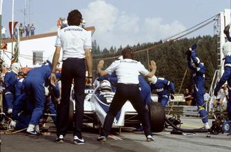 Riccardo Patrese, Brabham BT50-BMW, arrêt aux stands