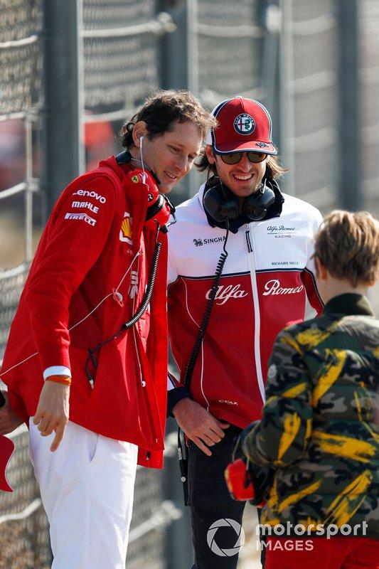 Antonio Giovinazzi, Alfa Romeo Racing e John Elkann, Presidente FIAT, con il figlio