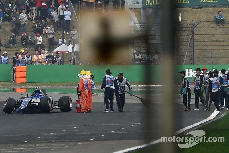 Antonio Giovinazzi, Sauber C36, dopo l'incidente