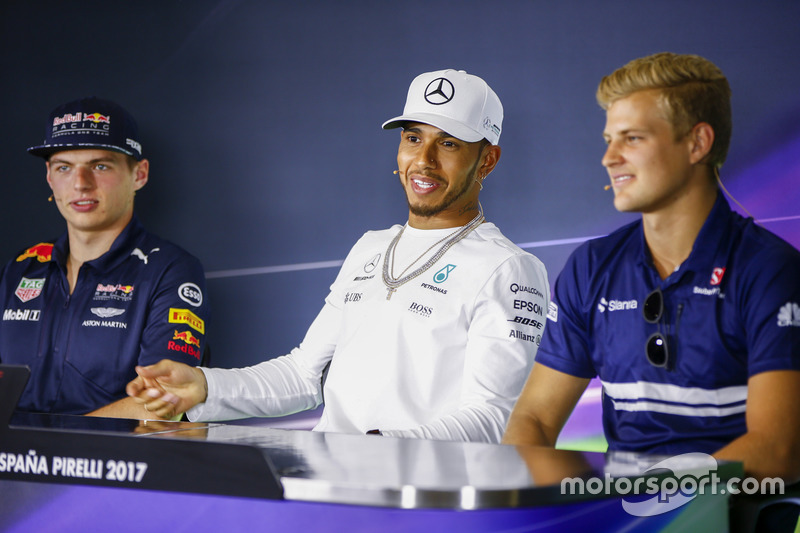 Max Verstappen, Red Bull Racing, Lewis Hamilton, Mercedes AMG F1, Marcus Ericsson, Sauber, in the press conference