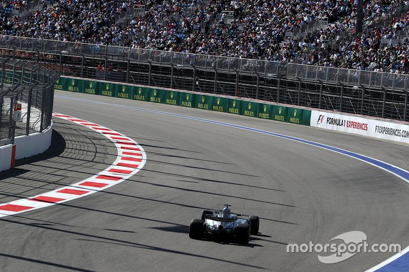 Por primera vez este año Hamilton ni llegó a liderar