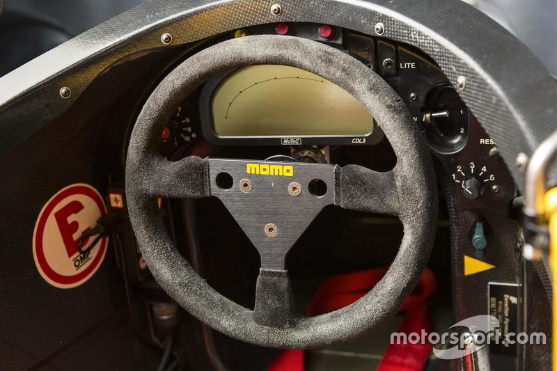 Benetton B191, рулевое колесо