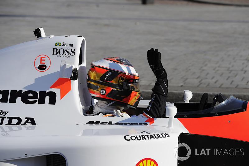 Stoffel Vandoorne, Ayrton Senna'nın 1991 McLaren MP4/6'sında