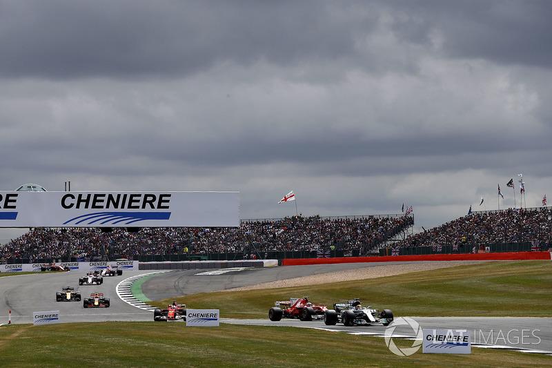 Льюіс Хемілтон, Mercedes AMG F1 W08, Кімі Райккклнен, Себастьян Феттель, Ferrari SF70H