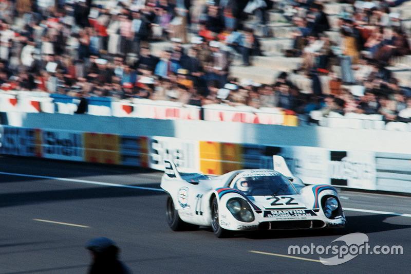 Экипаж Porsche 917K в составе Хельмута Марко и Гейса ван Леннепа