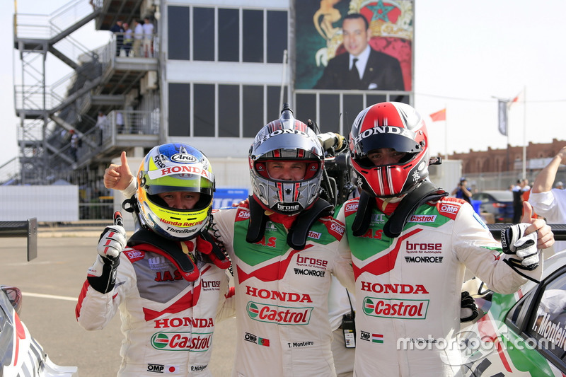 Ryo Michigami, Honda Racing Team JAS, Honda Civic WTCC; Tiago Monteiro, Honda Racing Team JAS, Honda Civic WTCC; Norbert Michelisz, Honda Racing Team JAS, Honda Civic WTCC