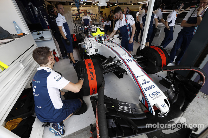 Ingenieros de Williams se preparan para enviar a Felipe Massa, Williams FW40