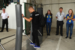 Valtteri Bottas, Mercedes AMG F1 W08 arrives