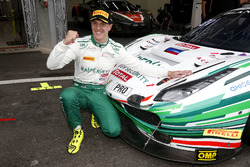 Ganador de la pole #55 Kaspersky Motorsport Ferrari 488 GT3: James Calado