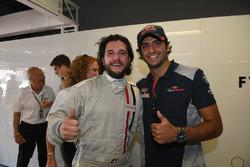 Kit Harington, et Carlos Sainz Jr., Scuderia Toro Rosso