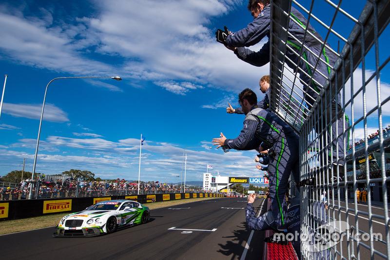 #8 Bentley Team M-Sport, Bentley Continential GT3: Steven Kane, Guy Smith, Oliver Jarvis
