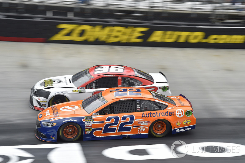 Joey Logano, Team Penske, Ford Fusion Autotrader, D J Kennington, Gaunt Brothers Racing, Toyota Camry, Gaunt Brothers Racing