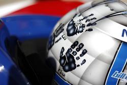 Tony Kanaan, A.J. Foyt Enterprises Chevrolet, helmet, kids, handprints