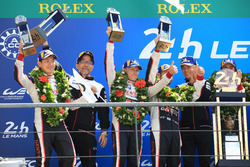 المنصة: المركز الثاني كاموي كوباياتشي، خوسيه ماريا لوبيز، مايك كونواي، تويوتا ريسينغ