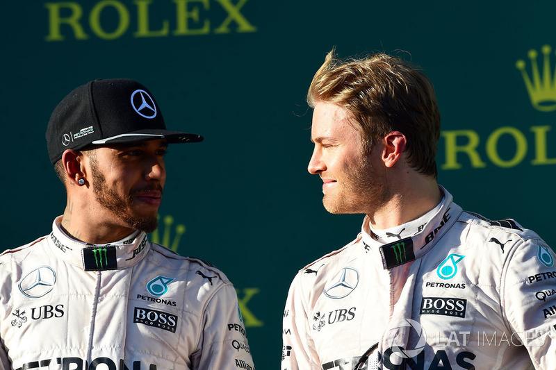 Podio: ganador de la carrera Nico Rosberg, Mercedes AMG F1, segundo lugar Lewis Hamilton, Mercedes AMG F1