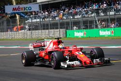 Pole sitter Sebastian Vettel, Ferrari SF70H