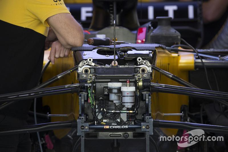 Renault Sport F1 Team RS17 ön süspansiyon