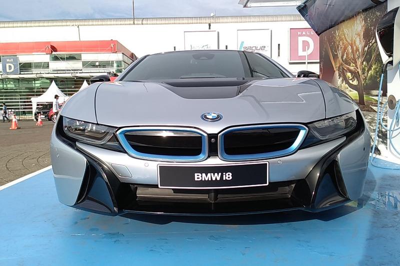Bmw I8 Electric Car Turned Into A Police Car Naaju