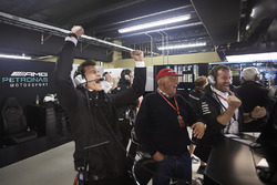 Toto Wolff, Executive Director Mercedes AMG F1, Niki Lauda, Non-Executive Chairman, Mercedes AMG F1., Mercedes management celebrate pole for Valtteri Bottas, Mercedes AMG F1