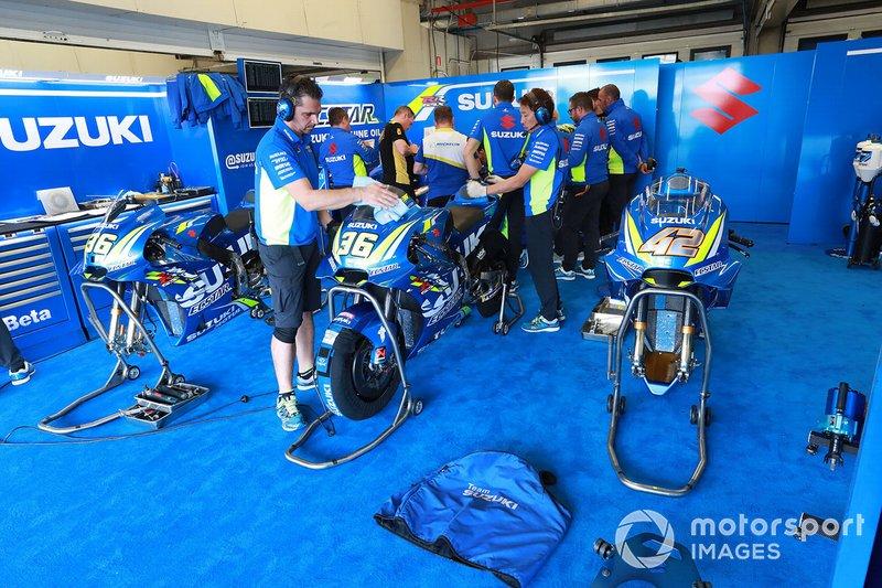 Гараж Team Suzuki MotoGP
