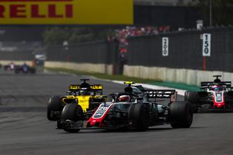 Кевин Магнуссен, Haas F1 Team VF-18, Нико Хюлькенберг, Renault Sport F1 Team RS18, и Ромен Грожан, Haas F1 Team VF-18