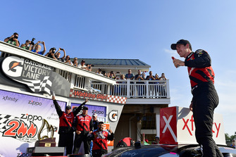 il vincitore della gara Joey Logano, Team Penske, Ford Mustang Snap On