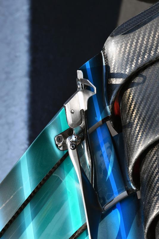 Mercedes AMG F1 W09 ön kanat detay