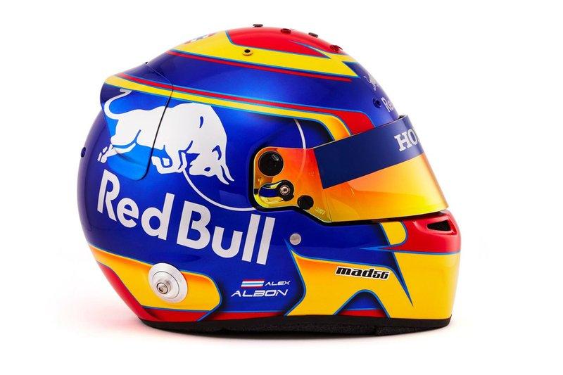 Шлем Александра Элбона для дебютного сезона в Ф1