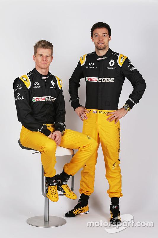 (Зліва направо): Ніко Хюлькенберг, Renault Sport F1 Team, з напарником по команді Джоліоном Палмером, Renault Sport F1 Team