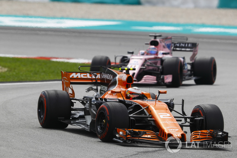Стоффель Вандорн, McLaren MCL32, Серхіо Перес, Sahara Force India F1 VJM10