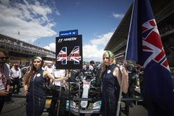 Gridgirls für Lewis Hamilton, Mercedes AMG F1