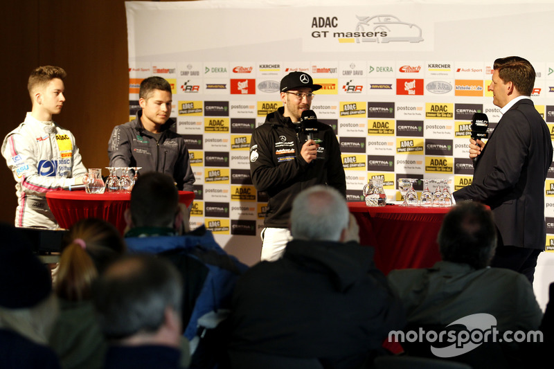 Mike-David Ortmann, Mücke Motorsport; Christopher Mies, Montaplast by Land-Motorsport; Maximilian Gö