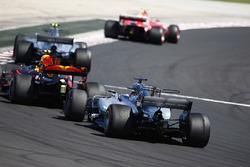 Кими Райкконен, Ferrari SF70H, Валттери Боттас, Mercedes AMG F1 W08, Макс Ферстаппен, Red Bull Racing RB13, и Льюис Хэмилтон, Mercedes AMG F1 W08