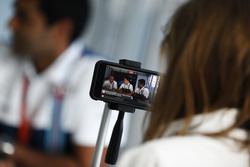 Paddy Lowe, Williams Formula 1, Paul di Resta and Karun Chandhok are filmed in a Williams hospitality area