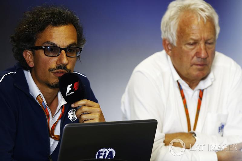 Laurent Mekies, F1 Deputy Race Director, FIA, Charlie Whiting, FIA Race Director