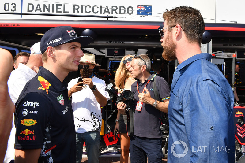 Max Verstappen, Red Bull Racing y Chris Hemsworth, actor