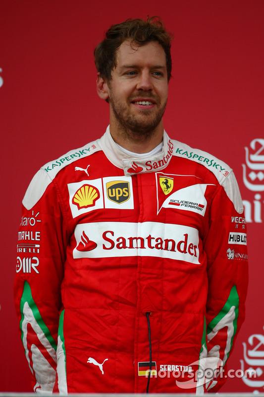 Podio: segundo lugar Sebastian Vettel, Scuderia Ferrari