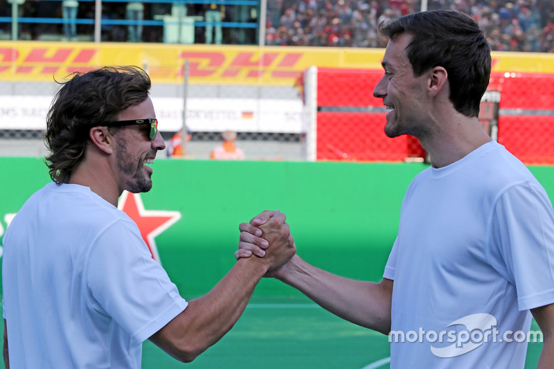 Heineken charity football game, Fernando Alonso, McLaren Honda and Jolyon Palmer, Renault Sport F1 Team