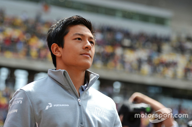 Rio Haryanto, Manor Racing on the drivers parade