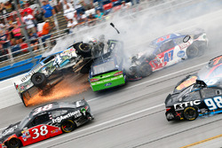 Рікі Стенхаус-мол., Roush Fenway Racing Ford, Кевін Харвік, Stewart-Haas Racing Chevrolet