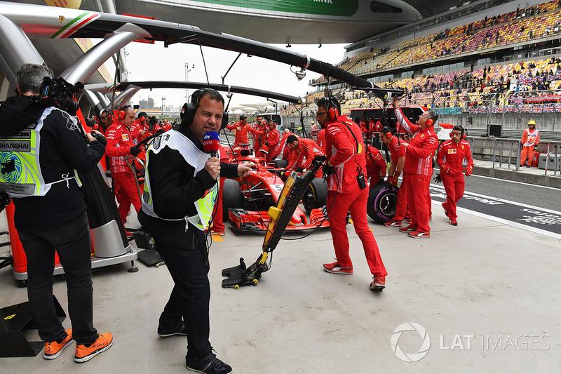 Na pista, a Ferrari aproveitou para treinar pit stops, após um de seus membros se acidentar no GP do Bahrein.