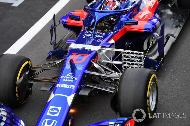 Pierre Gasly, Scuderia Toro Rosso STR13, con una griglia di sensori