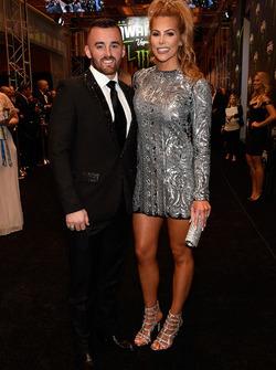 Austin Dillon, Richard Childress Racing Chevrolet, mit seiner Verlobten Whitney Ward