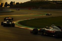Kevin Magnussen, Haas F1 Team VF-18, Lance Stroll, Williams FW41, Sebastian Vettel, Ferrari SF71H et Marcus Ericsson, Sauber C37