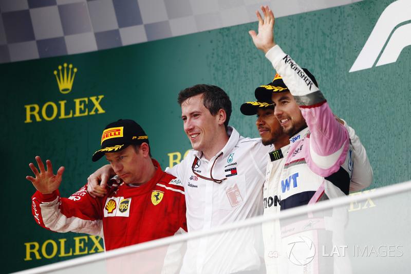 Podio: segundo lugar Kimi Raikkonen, Ferrari, ganador de la carrera Lewis Hamilton, Mercedes AMG F1, tercer lugar Sergio Perez, Force India