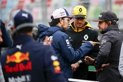 Sergio Perez, Force India, Carlos Sainz Jr., Renault Sport F1 Team, and Fernando Alonso, McLaren, ta