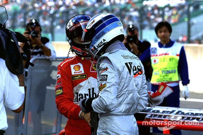 Nach dem Qualifying: Häkkinen gratuliert Schumacher zur Pole
