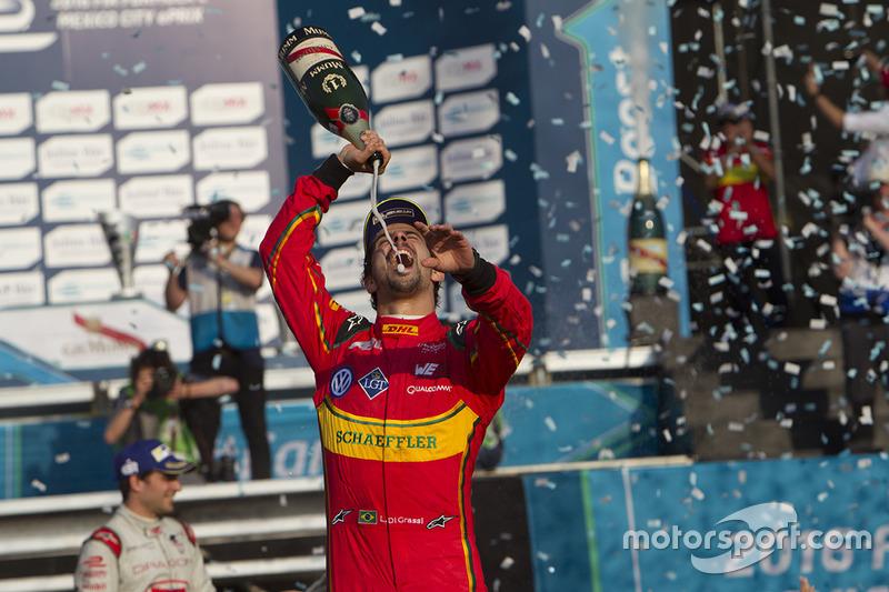 80. Lucas di Grassi, ABT Schaeffler Audi Sport celebra con champaña