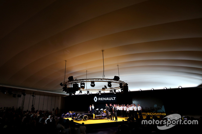 Carlos Ghosn, Chairman of Renault, Kevin Magnussen, Renault F1 Team, Jolyon Palmer, Renault F1 Team and Esteban Ocon, Renault F1 Team